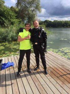 Ehering und Handy im See verloren Auftragssucher Markus Pütterich ist getaucht wiedergefunden