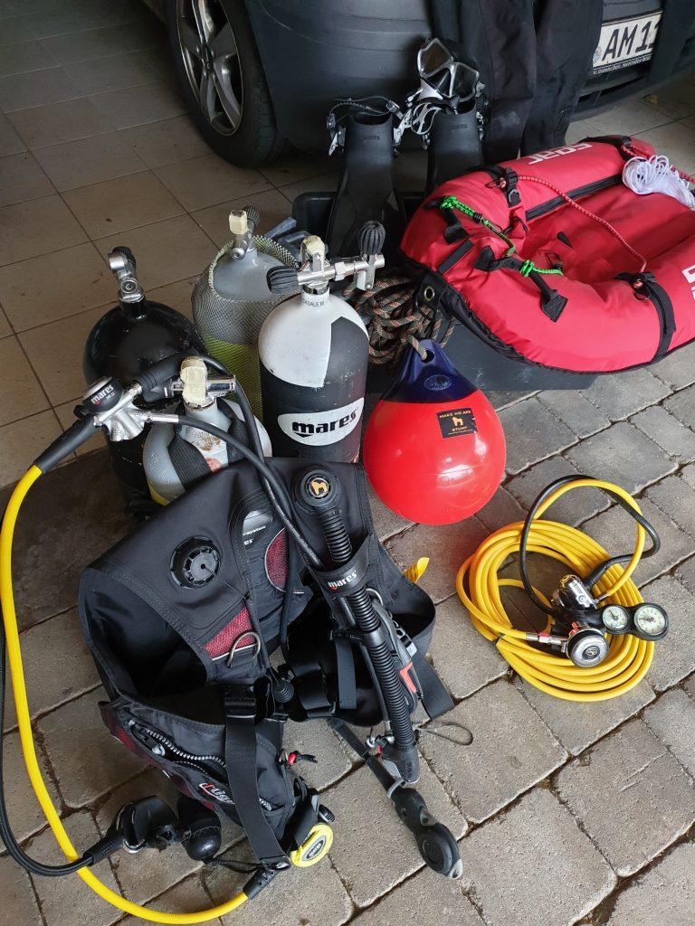 Tauchausrüstung Tauchflaschen Equipment Mares